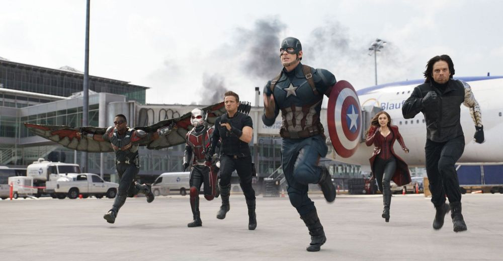it-s-captain-america-vs-bucky-in-new-civil-war-footage-but-why-are-the-teammates-fight-899607
